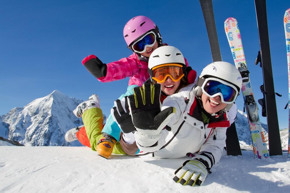 Lyžiarska škola U MACKOV v Jasnej a na Žiarcoch ponúka individuálne aj  skupinové lekcie s licencovanými inštruktormi pre dospelých aj pre deti. 0980c2459cd